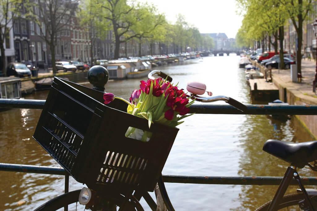 アムステルダム 運河 自転車