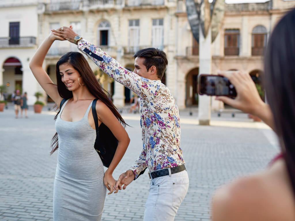 ハバナ キューバ 広場 ダンス